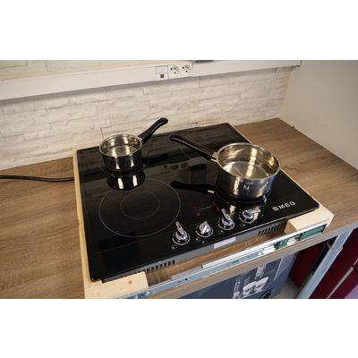 Plaque de cuisson par induction Smeg PI964N: l'amie-molette?