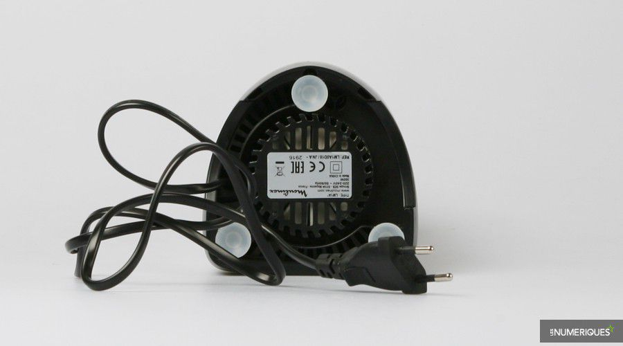 Moulinex-Personal-Blender-LM1A0D10-dessous.jpg