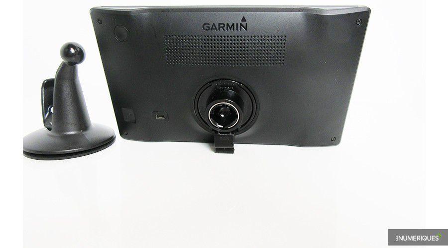 Garmin-DriveSmart70-dos-WEB.jpg