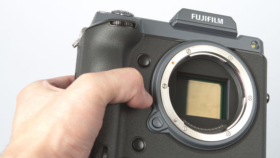 Fujifilm GFX 100 : l'hybride moyen format à 11 000 € qui renverse la table