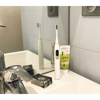 Oclean X : la brosse à dents électrique à écran tactile