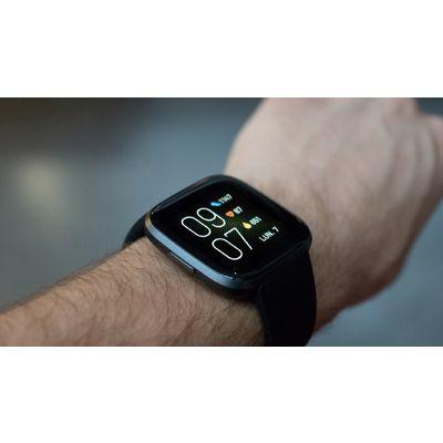 Fitbit Versa 2 : la montre qui voulait être une Apple Watch