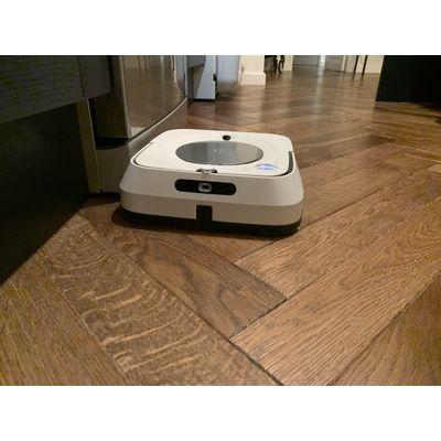 iRobot Braava Jet m6 : un robot laveur de sol très sophistiqué