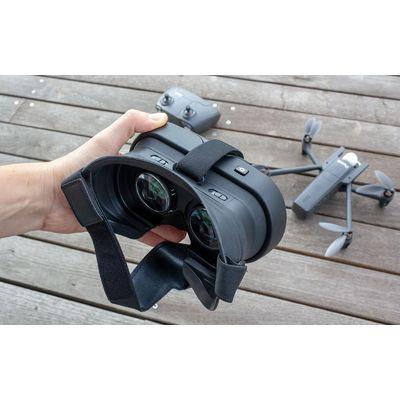 Drone Parrot Anafi FPV : piloter et filmer avec les yeux dans la caméra