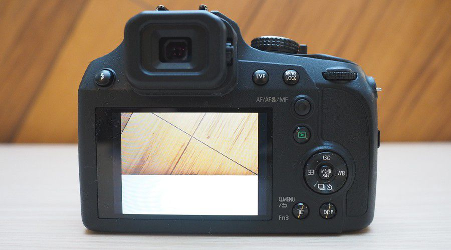 test-panasonic-lumix-fz82-arrière.jpg