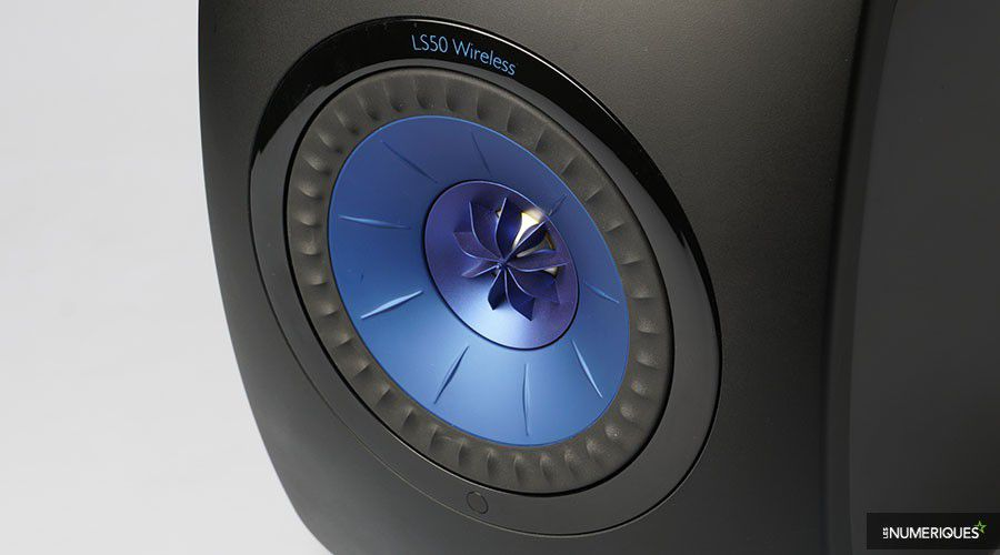 KEF_LS50Wireless-p02.jpg