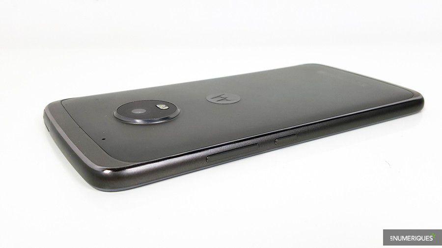 Lenovo-Moto-G5-Plus-cote.jpg