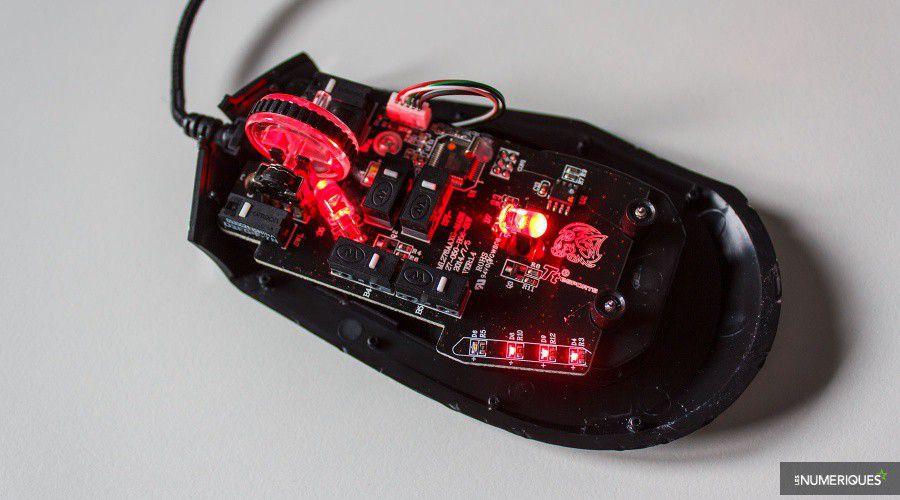 Tt-eSports_Black-V2_Test_08.jpg