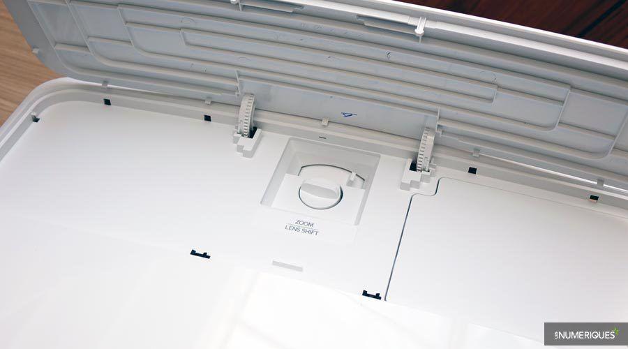 Optoma-UHD550X-1.jpg