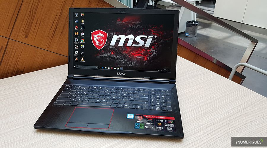 PC portable (notebook) gamer MSI GE63VR ouvert