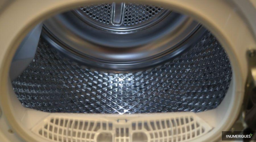 Test-Beko-DF8535RX0W-lumiere-hublot.jpg