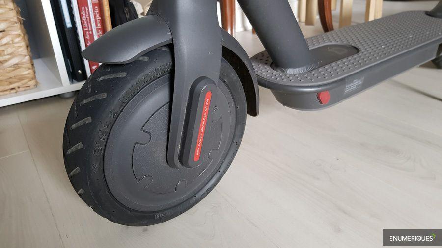 trottinette-xiaomi-m365-mijia-roue-avant.jpg