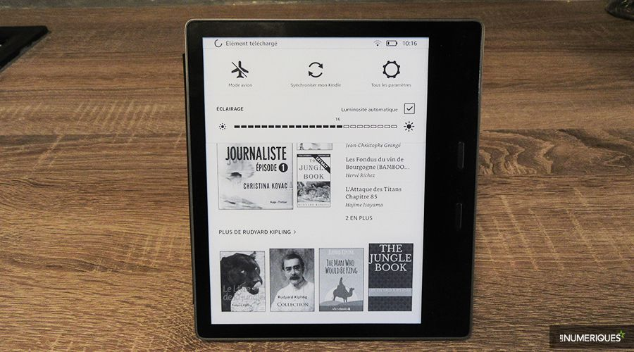 Kindle-Oasis-eclairage-WEB.jpg
