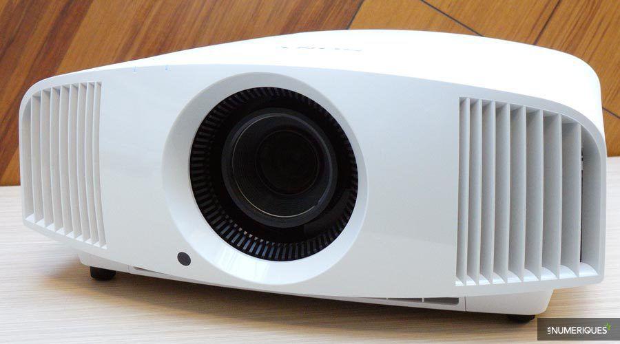 Sony-VW260ES-2.jpg