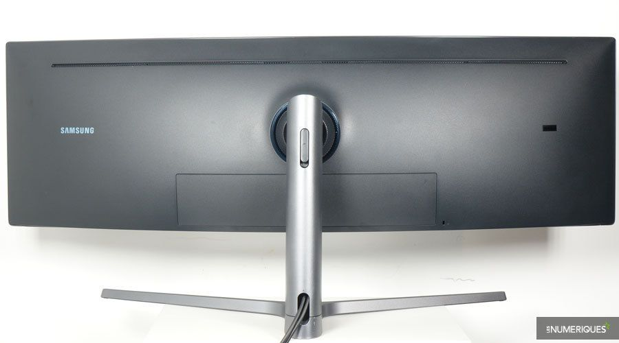 Samsung-C49HG90-5.jpg