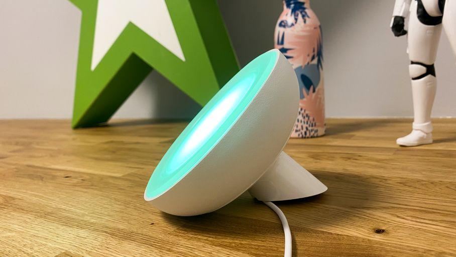 Test Philips Hue Bloom : une lampe décorative qui manque d'éclat - Les Numériques