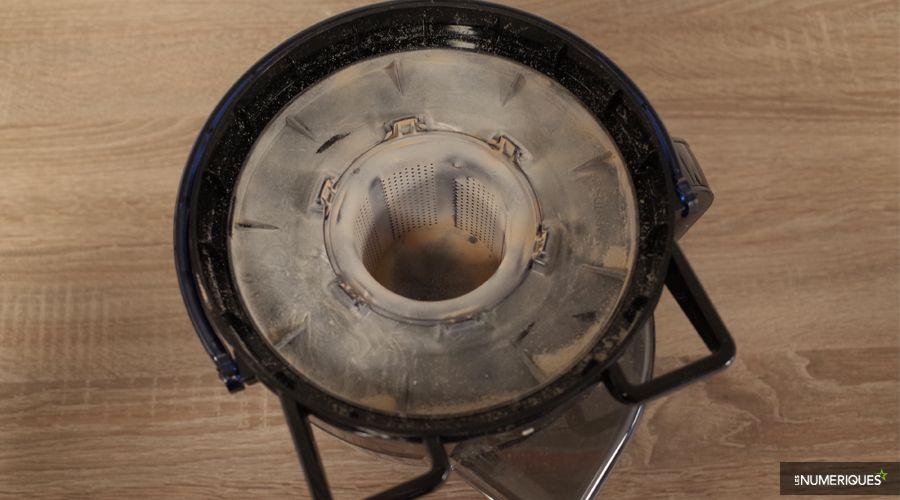 Test-Rowenta-RO7681EA-filtre-cyclonique.jpg