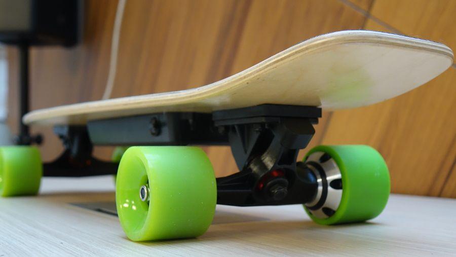 Test du skate électrique Archos SK8, vue du moteur à l'arrière