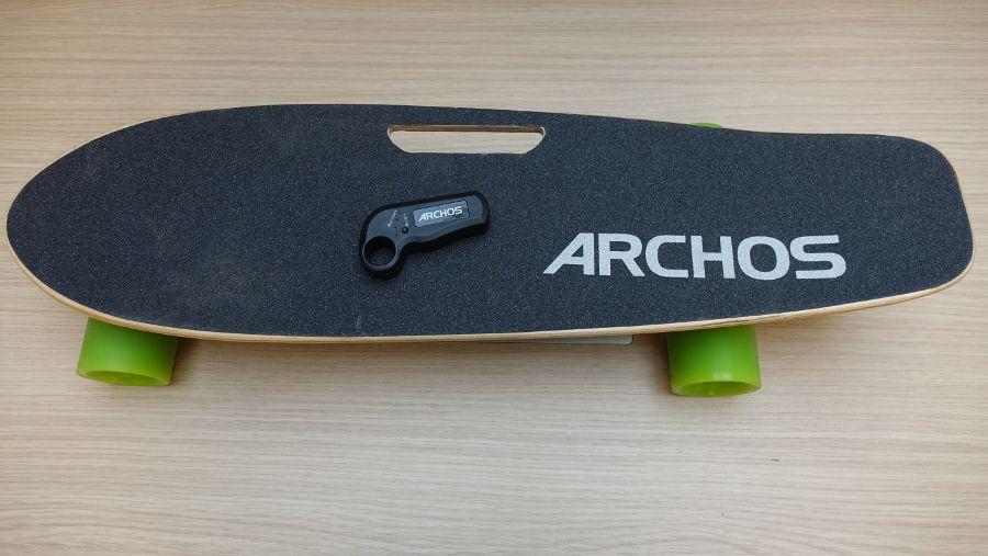 Test du skate électrique Archos SK8, avec la télécommande