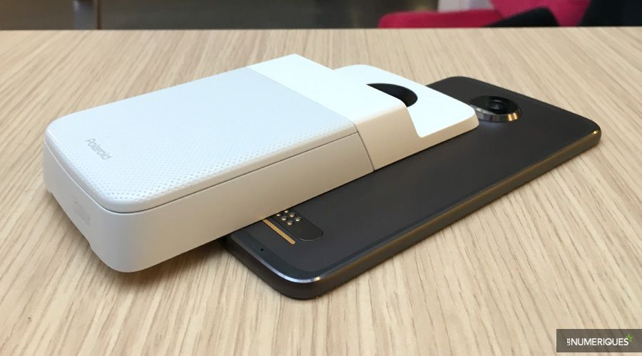 motorola polaroid insta share printer moto mods test complet imprimante photo portable. Black Bedroom Furniture Sets. Home Design Ideas