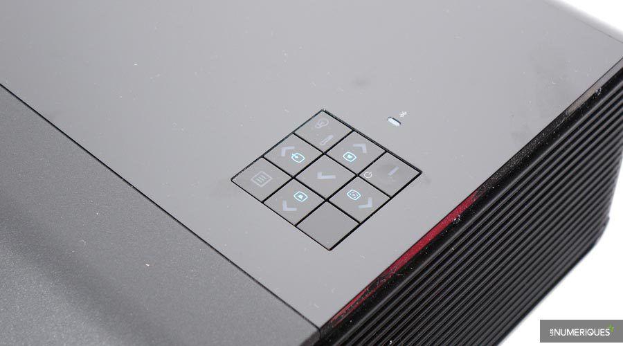 Dell-S718QL-5.jpg