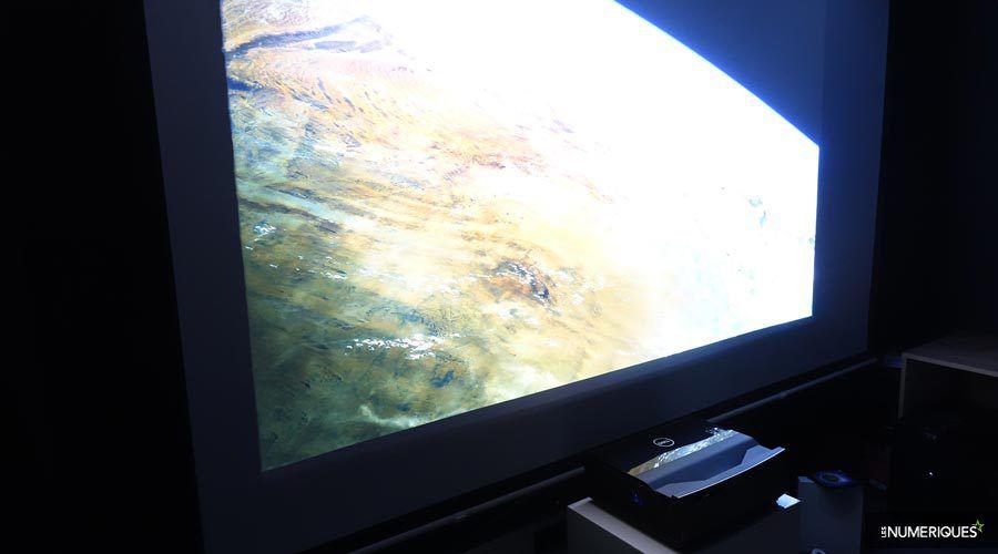 Dell-S718QL-6.jpg