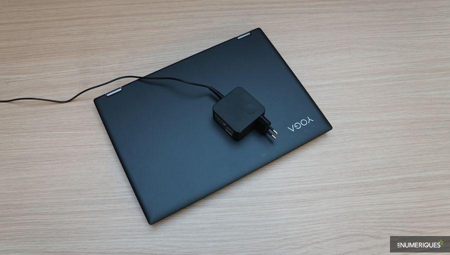 Test du Lenovo Yoga 520, fermé avec alimentation