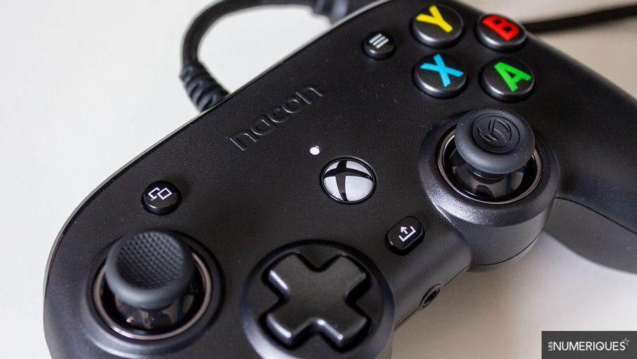 Test Nacon Pro Compact : une manette Xbox et PC pour les petites mains