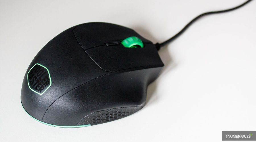 Cooler-Master_MasterMouse_MM520_Test_04.jpg