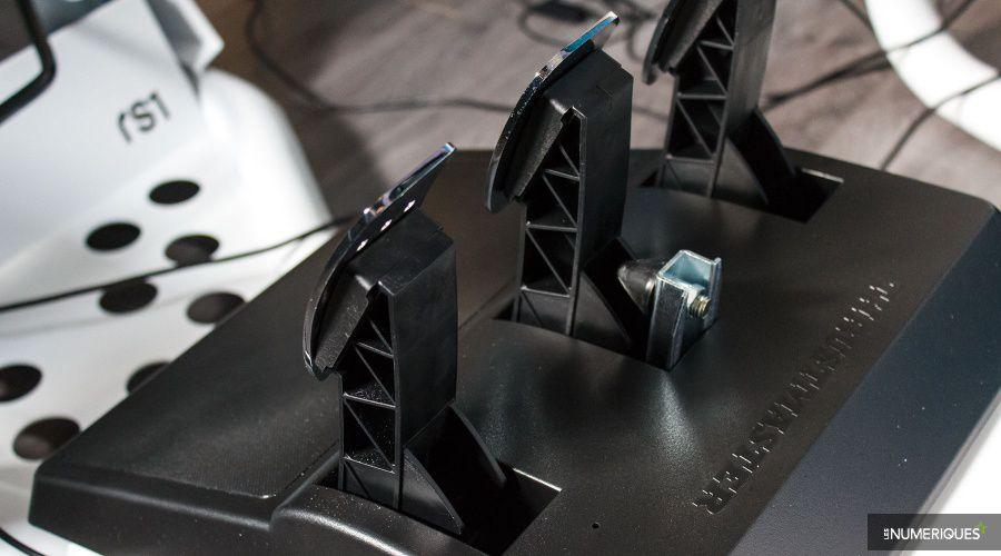 Volant-Pedalier_Thrustmaster_TS-XW-Racer_Test_07.jpg