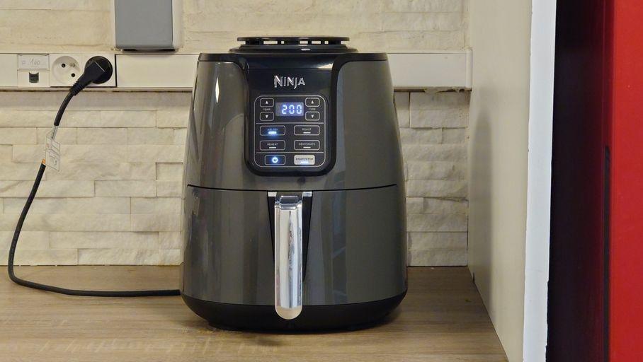 """Test Ninja Air Fryer AF100EU : la friteuse """"sans huile"""" qui peut faire office de déshydrateur"""
