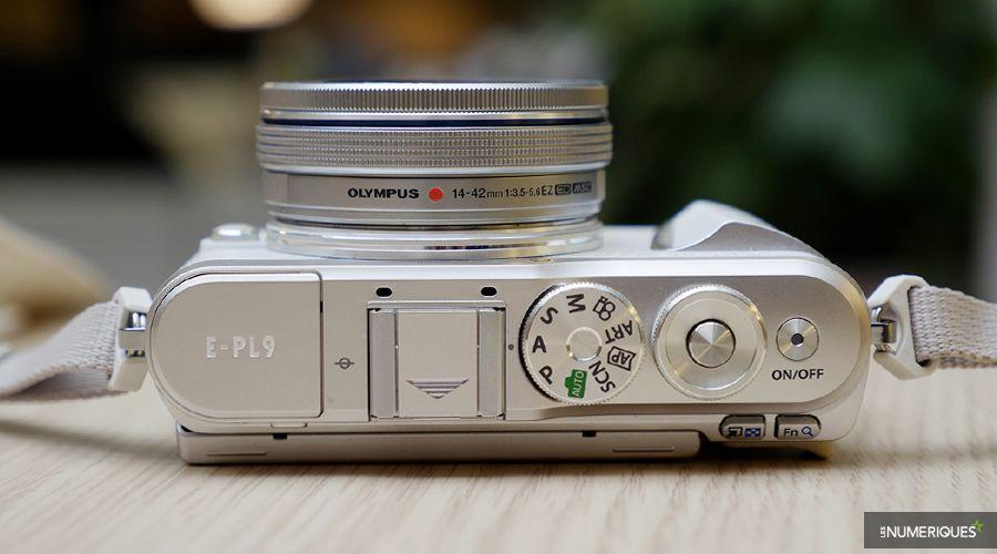 Pen-E-PL9-capot.jpg