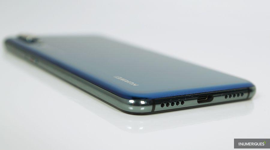 Huawei_P20_Pro_Tranche.jpg