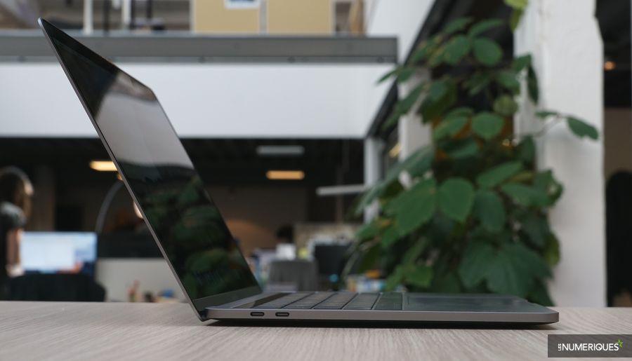 MacBook Pro 13 pouces 2017 3,1 GHz, de profil