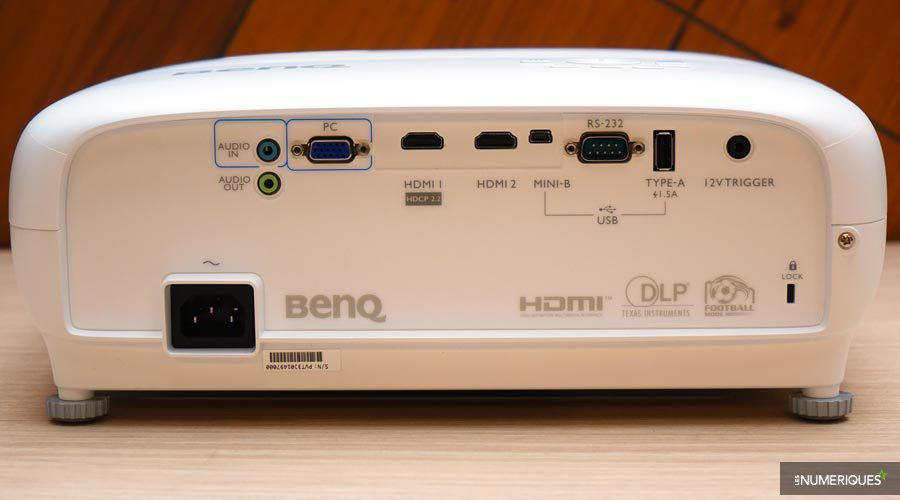 BenQ-TK800-1.jpg
