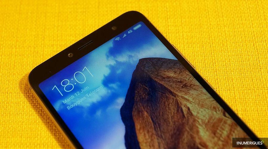 Xiaomi_Redmi_2S_Bordure_haut.jpg