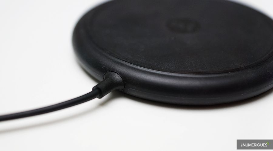 Mophie_Wireless_Charging_Base_Prise.jpg