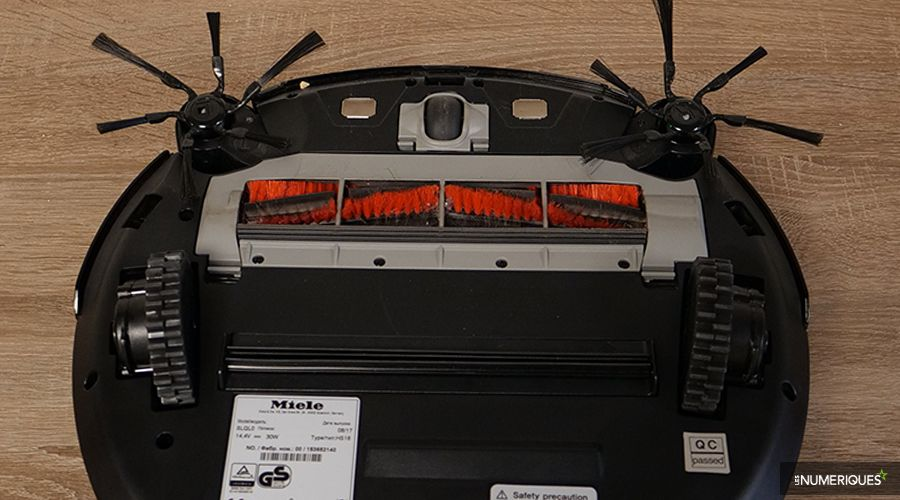 Test-Miele-Scout-RX2-Home-Vision-brosses.jpg