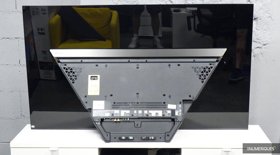 Sony-65AF9-4.jpg