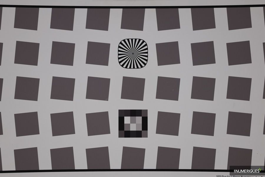 canon_RF_24-105mm_distorsion_50mm.jpg