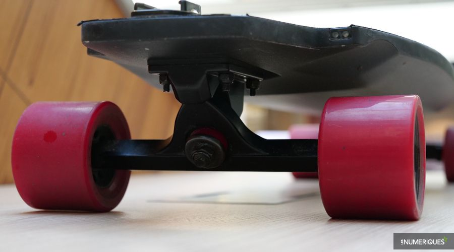 M1_Inboard_skate_electrique_3.JPG