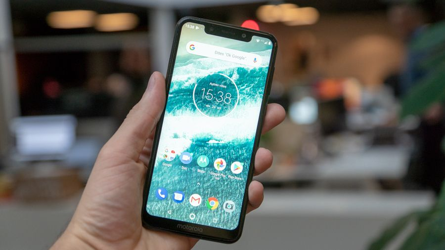 Motorola-One-05.jpg