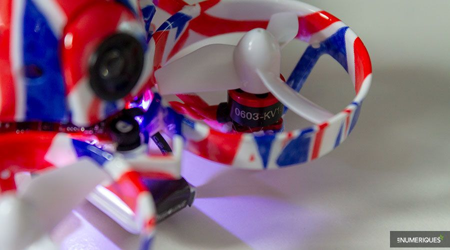 Mini-drone_Quadrirotor_Eachine_UK65_Test_02.jpg