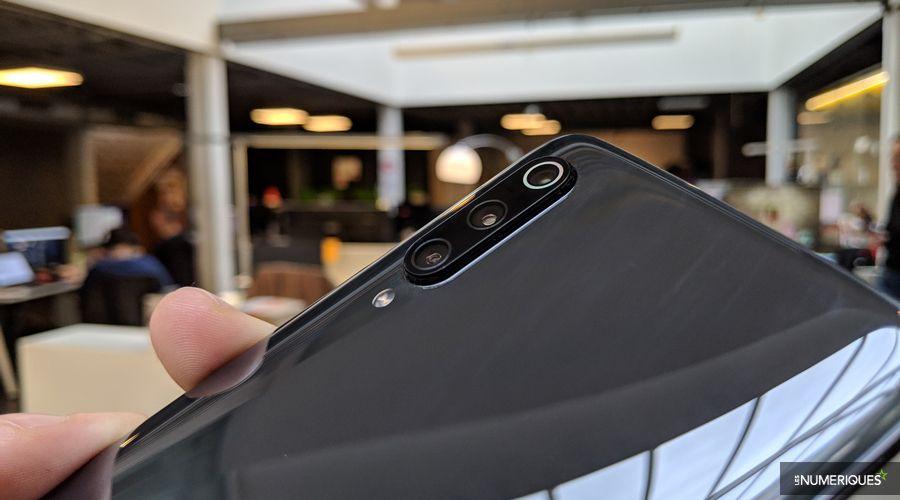 Xiaomi-Mi-9-02.jpg