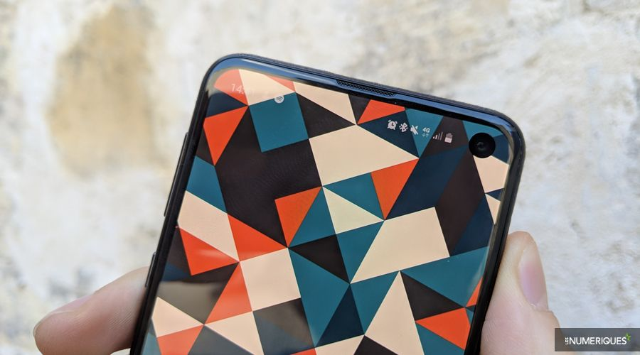 1_Samsung-Galaxy-S10e-01.jpg