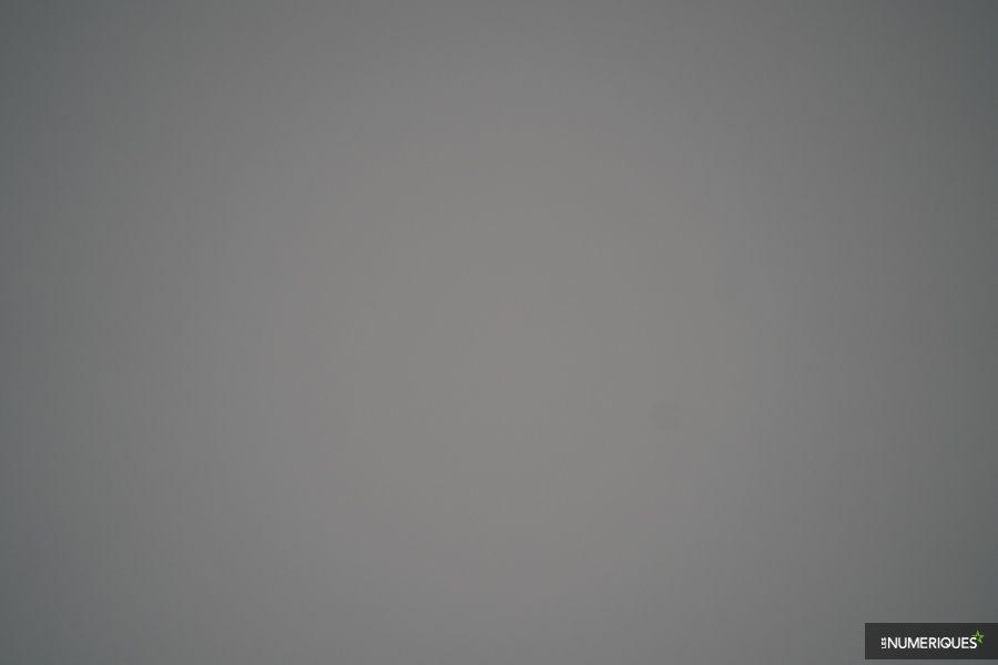 test_voigtlander_65mm_vignetage_f2-8.jpg