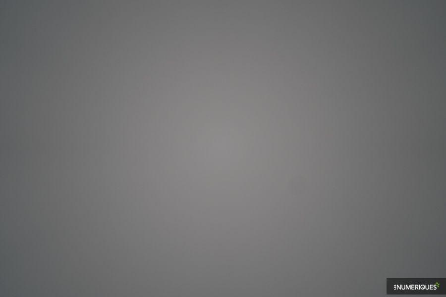 test_voigtlander_65mm_vignetage_f2.jpg