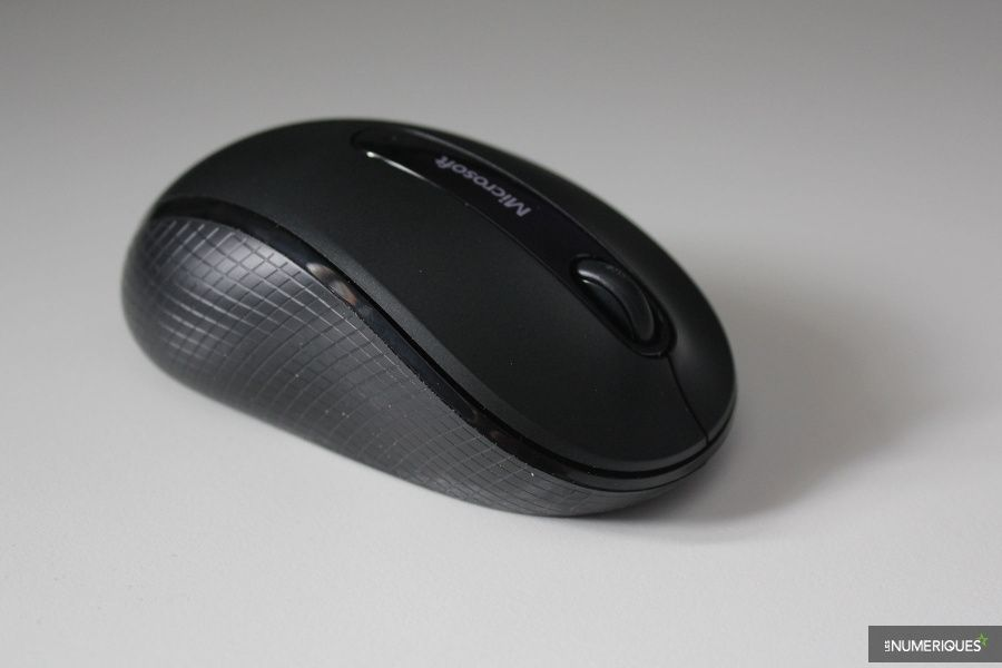 Microsoft_Wireless-Mobile-Mouse-4000_Test_03.jpg