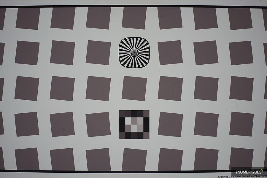 test_voigtlander_35mm-distorsion.jpg