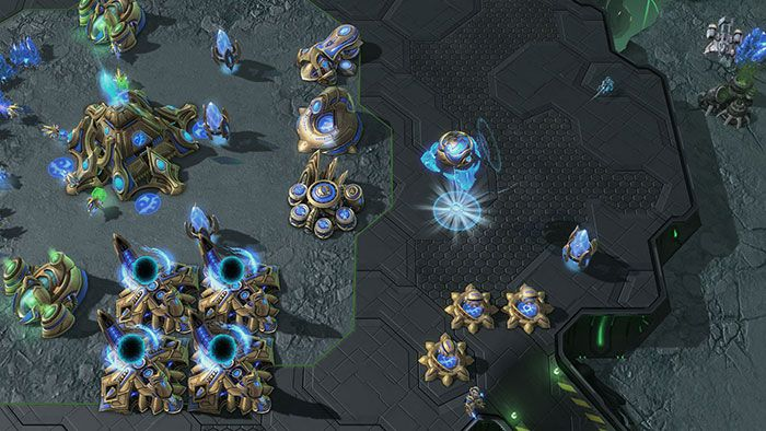 StarCraft 2 Heart of the Swarm 02 700px